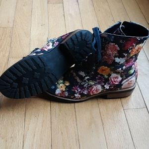 Tucker + Tate Shoes - Kids boots